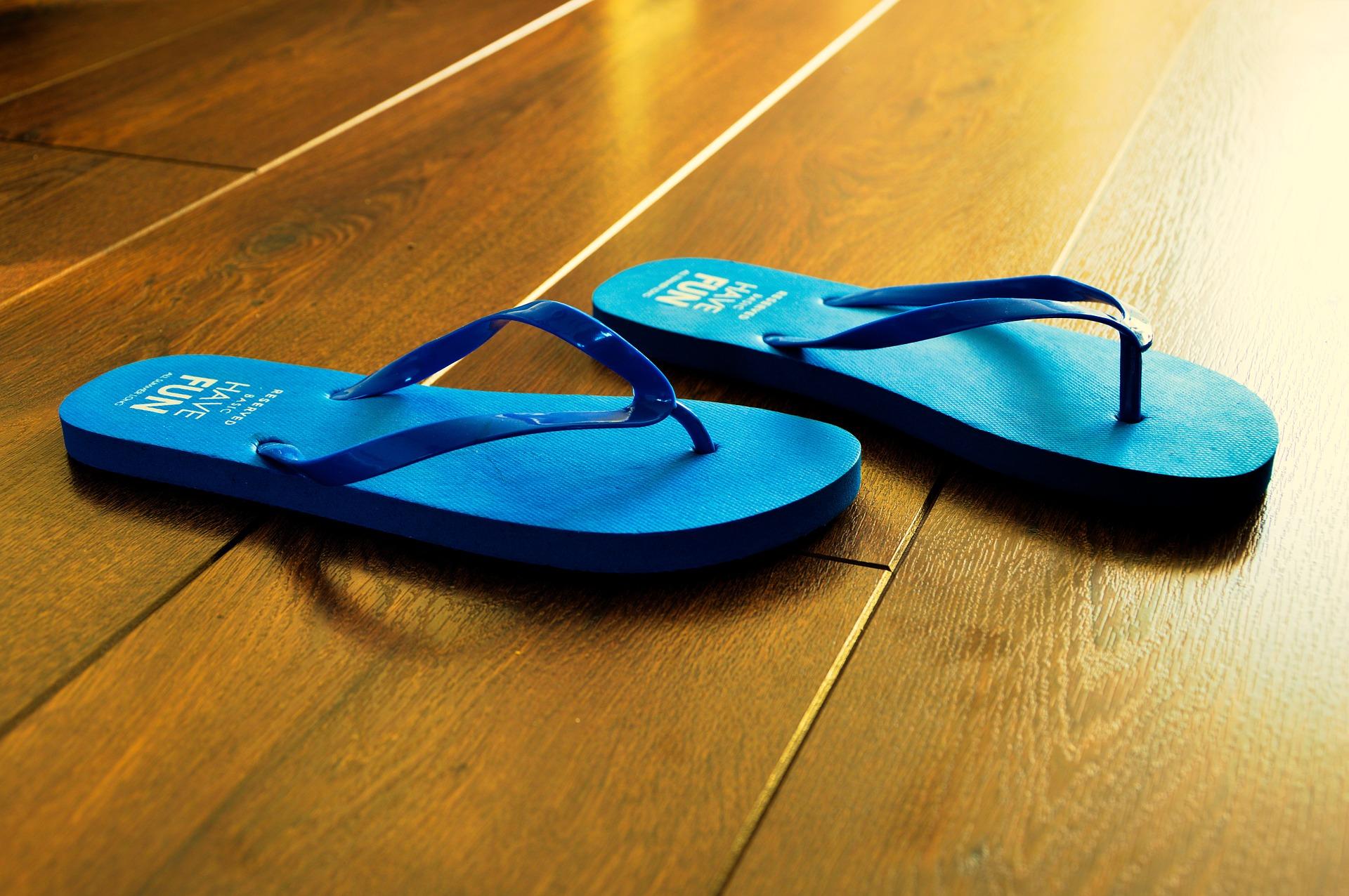 flip-flops-932699_1920